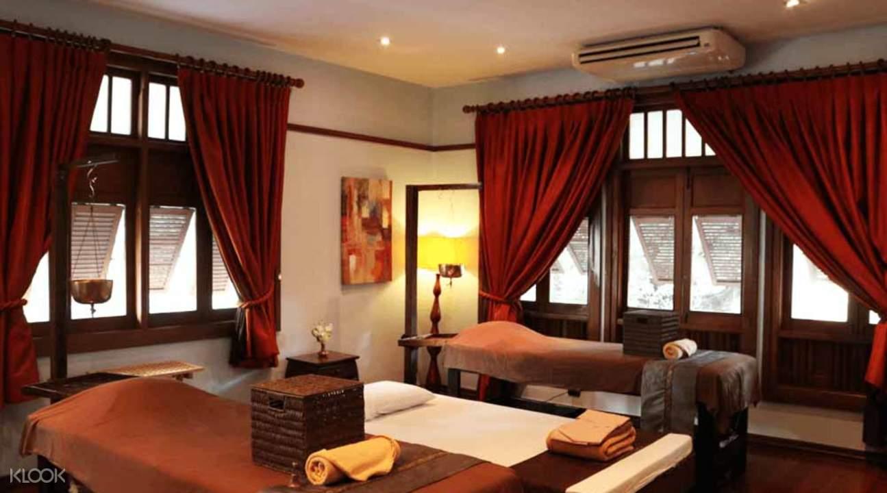 massage room in coran bangkok
